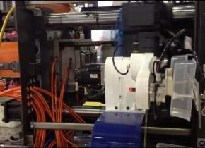 食品包装行业所用的关节式机械手视频