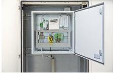 菲尼克斯电气提供的新型DNO Control控制柜包含配合完美的软硬件组件,可在网络接入点对光伏系统发电量进行灵活控制