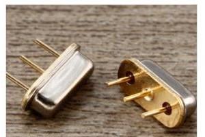 插件声表谐振器D11 F11